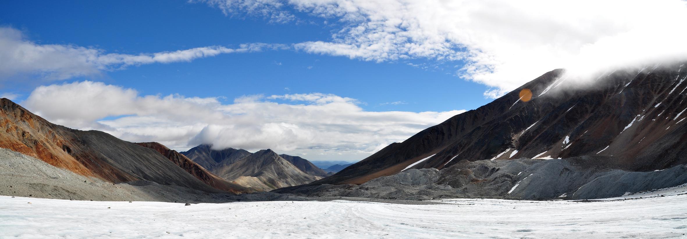 Вид с северо-восточной стороны пика Кулаковского