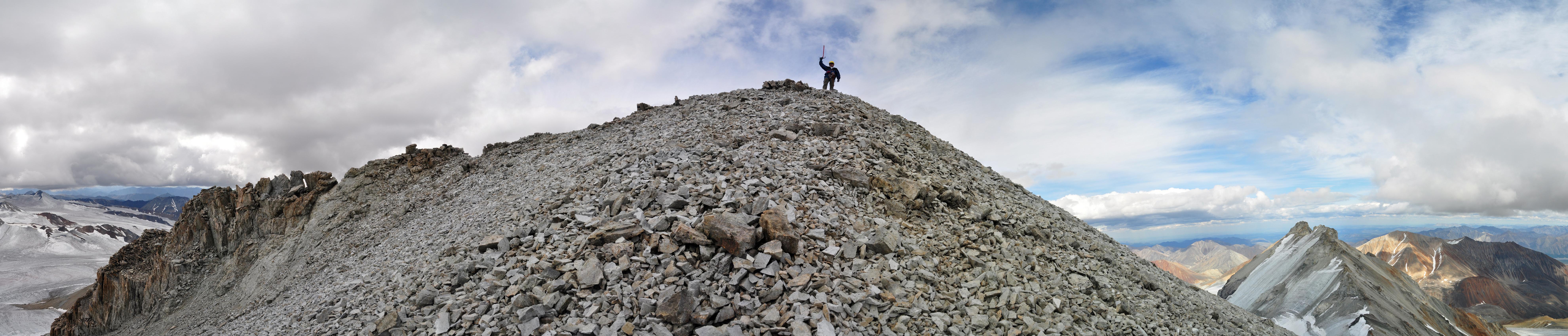 самая высокая вершина Верхоянского хребта в Якутии