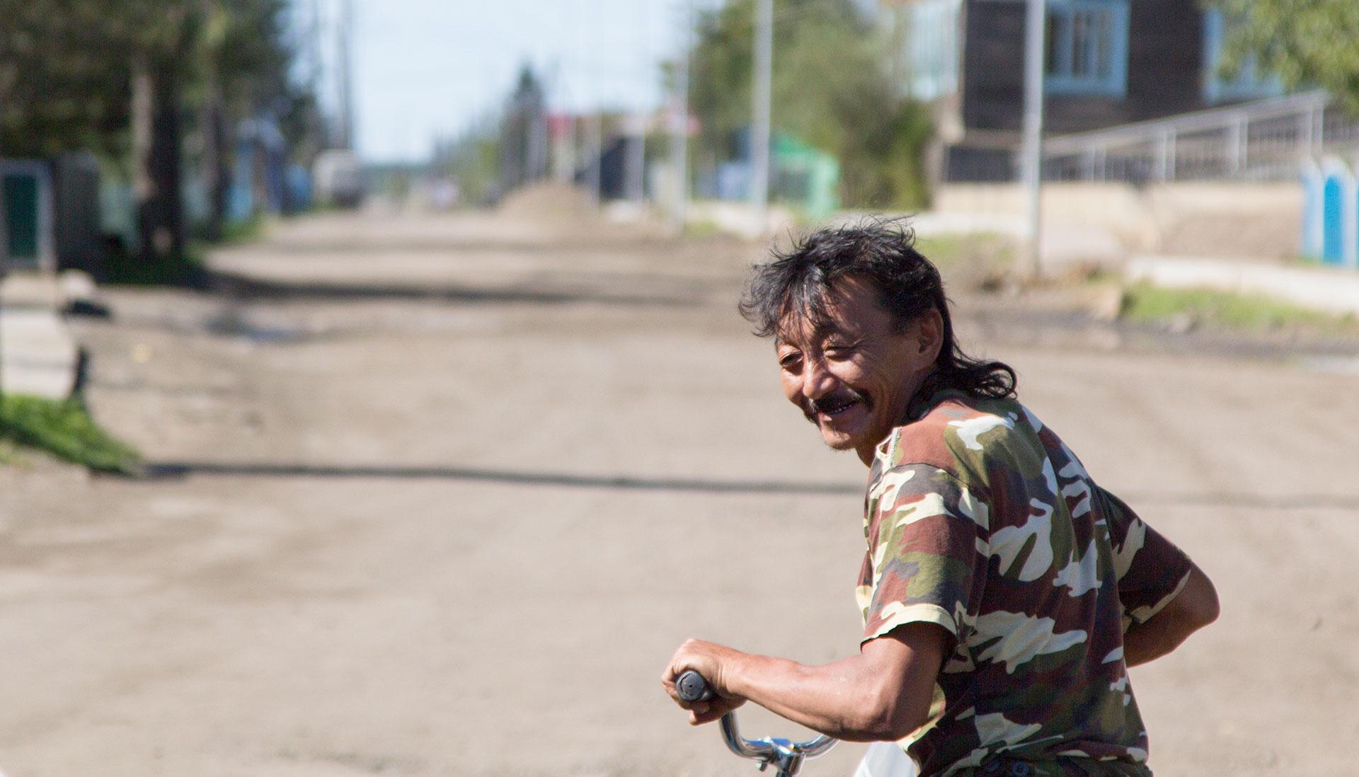 житель посёлка Усть-Мая