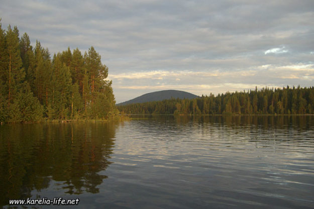 Карелия — вид на озеро