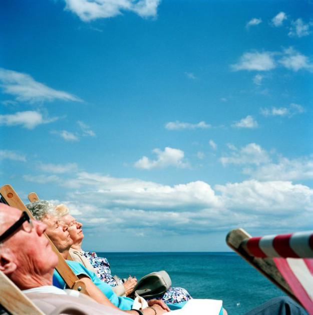 G.B. ENGLAND. Brighton. Sunbathing. 1992.