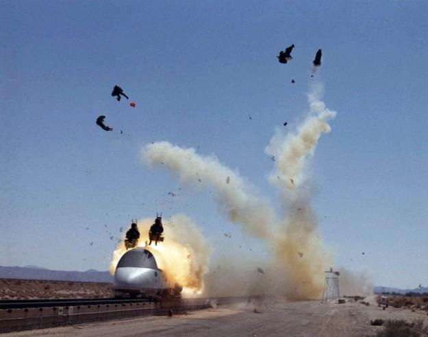 испытатели авиационных систем катапультирования